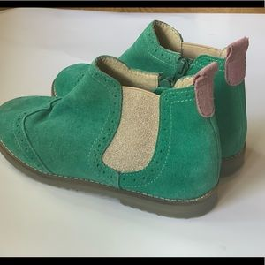 Boden Girls Suede Leather Chelsea Boot Sz 35
